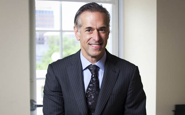 Alan Sokol, presidente y CEO de Hemisphere Media Group, Inc.
