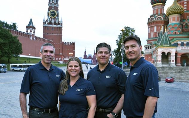 DirecTV tuvo a 100 personas trabajando en Rusia distribuidas entre el IBC (International Broadcast Centre), el estudio de la Plaza Roja, en los estadios para los partidos que se cubrieron desde el lugar de juego y otros lugares de interés.