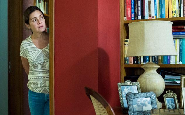 Adriana Esteves compite, por segunda vez, por la categoría de Mejor Actriz, esta vez por el personaje de Fátima en la serie Justicia.