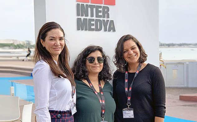 Del staff de ventas de Intermedya Beatriz Cea Okan; Hasret Ozcan Mordeniz y Sibel Levendoğlu.