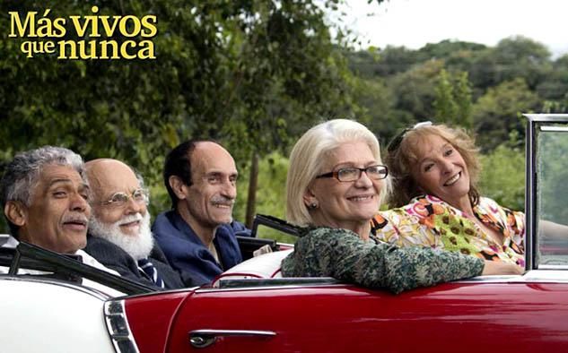 """""""Más vivos que nunca"""" (comedia de Venezuela), una película """"mágica"""" en la que un grupo de adultos mayores se trasforma en adolescentes."""
