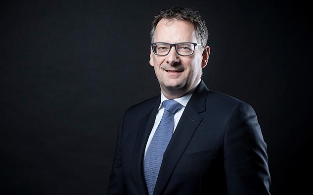 Steve Collar, presidente y CEO de SES.