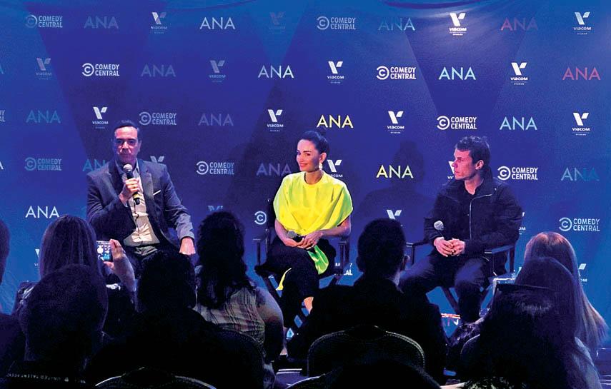 La comedia fue creada por Ana de la Reguera, quien también desempeñará el rol protagónico.