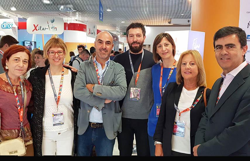 Acuerdo y anuncio en Cannes: Montse Besada (TVG), Nina Hernandez (Portocabo), Jose Fragoso (RTP), Alfonso Blanco (Portocabo), José Amaral (SP-i), Dolores Meijomin (AGADIC) y Rosa Sierra (TVG)