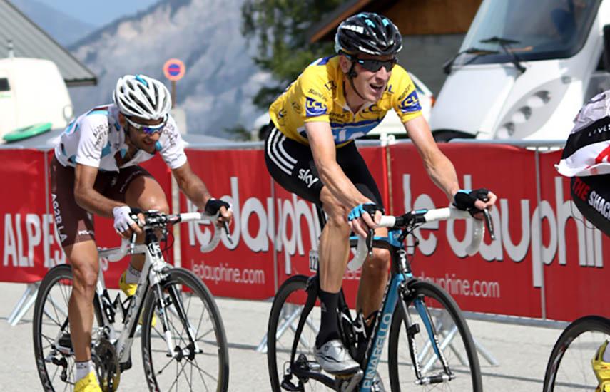 Bradley Wiggins y Jean-Christophe Péraud durante la edición del 2011 Critérium du Dauphiné.