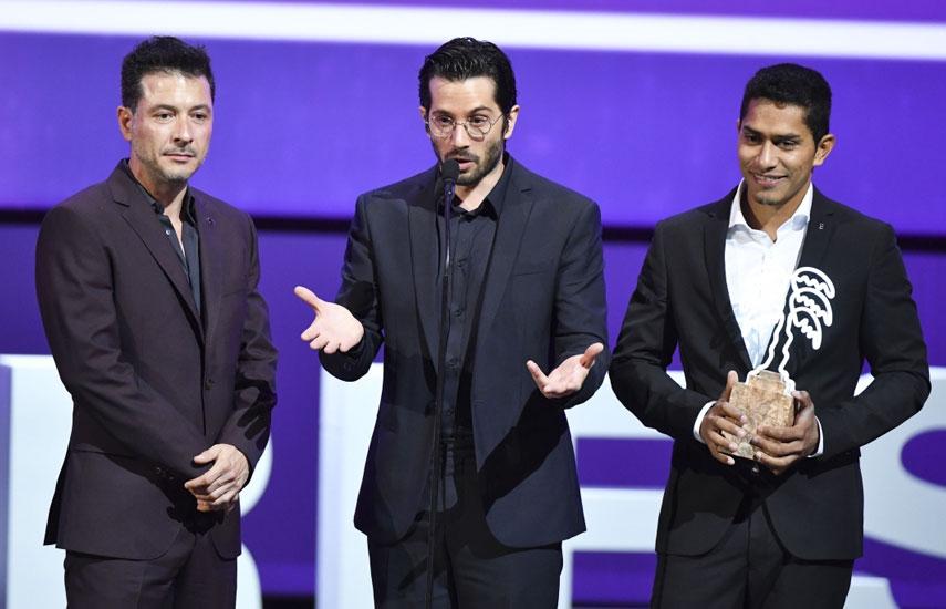 Protagonistas clave de When Heroes Fly reciben el primer gran galardón Canneseries.