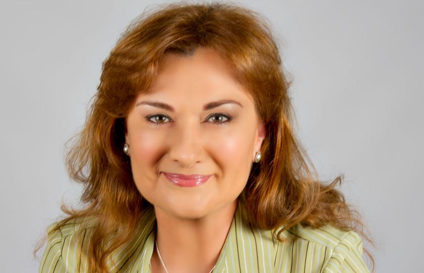 """Carmen González-Sanfeliu: """"Esta nueva colaboración abre la puerta para que TV Catarina distribuya programación regional de alta calidad utilizando una infraestructura de red eficiente, rentable, confiable y flexible. Intelsat 14 es una gran demostración de nuestro compromiso con el desarrollo de vecindarios poderosos que permiten a nuestros clientes llegar a audiencias más amplias con contenido premium""""."""