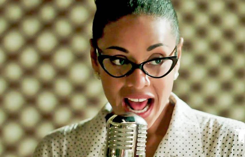 El rol de Celia Cruz (adulta) en la ficción fue interpretado por la actriz y cantante cubana Aymée Nuviola.