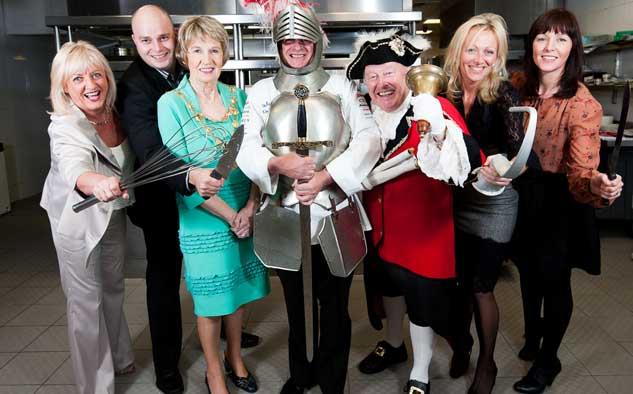 ITV Studios (5.425 horas) fue el emisor número uno en el territorio, debido principalmente al continuo éxito de Come Dine With Me.