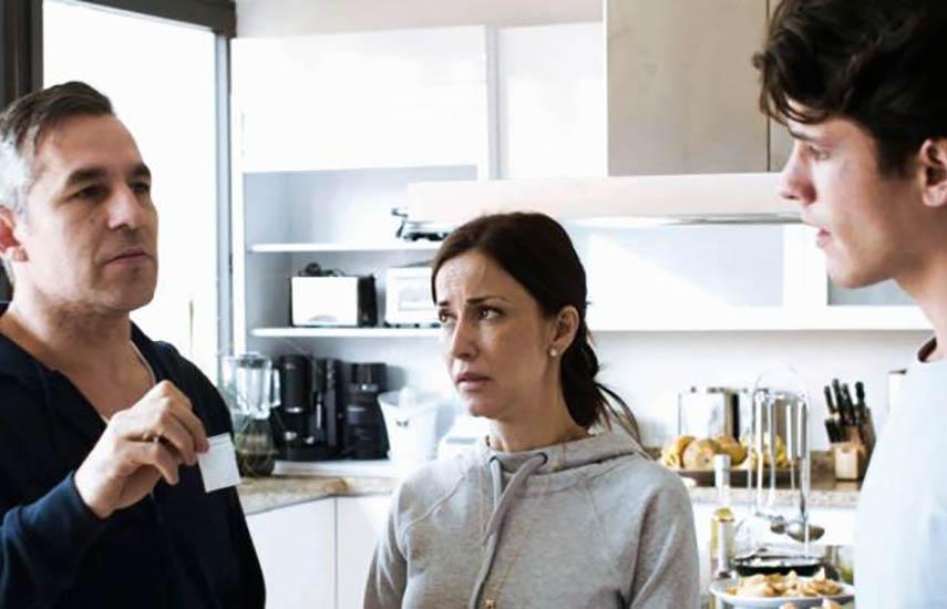 """""""Como te ves, me vi"""" está protagonizada por Rocío Verdejo, Juan Ríos y Cristina Rodlo."""