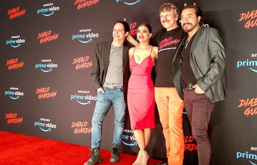 cuenta con las actuaciones estelares de Paulina Gaitán, Adrián Ladrón, Andrés Almeida y el mismo Xavier Velasco conforman el elenco