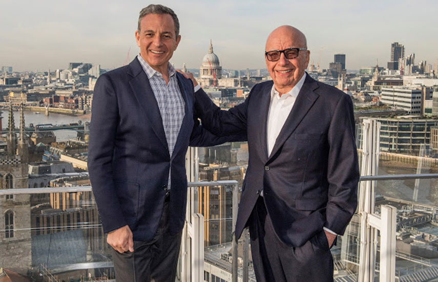 Bob Iger y Rupert Murdoch, tras sellar el mega M&A.