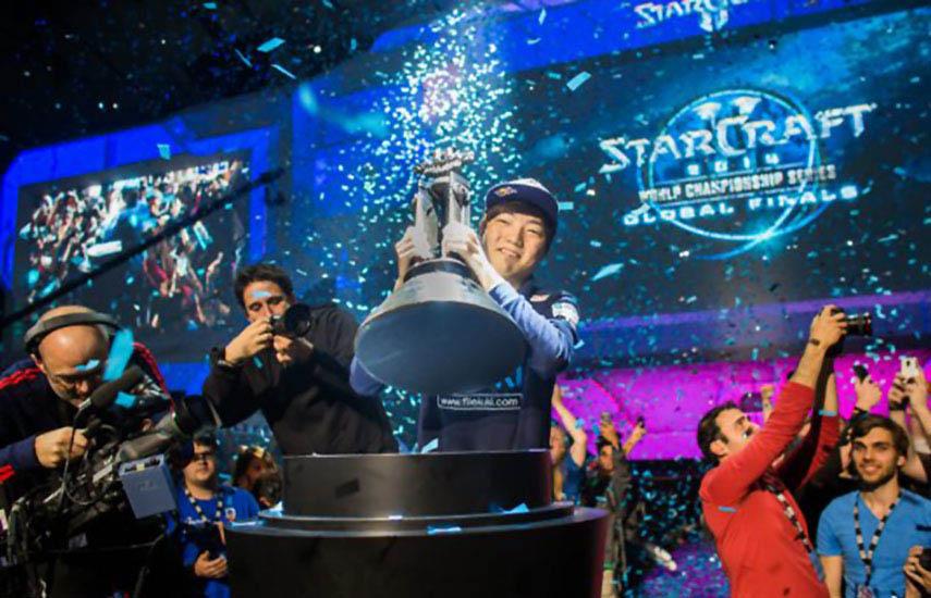 Tradicionalmente, la mayor audiencia de eSports se ha basado en Asia, con focos de interés de eSports existentes en Corea del Sur y China.
