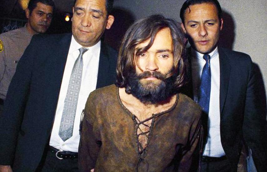 El apellido de Manson todavía resuena como sinónimo de los peligros de los cultos y esta serie ofrece una perspectiva valiosa.
