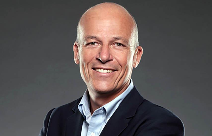 Joel Denton como nuevo presidente interino de Red Arrow Studios International.