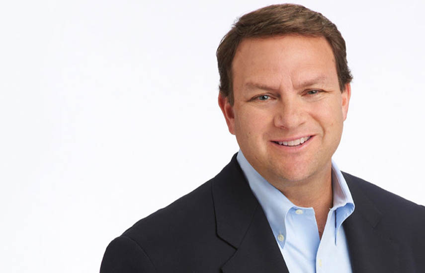 Mark Lazarus, Chairman de NBCUniversal Television y Streaming.