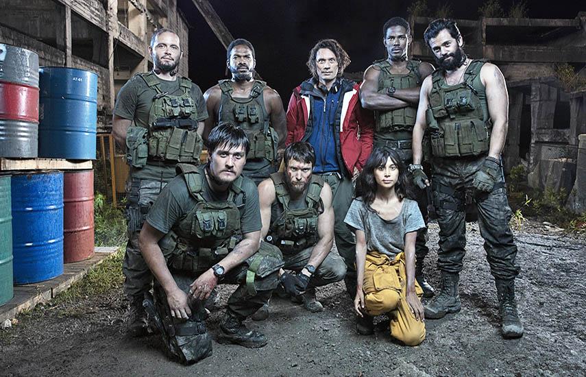 Como parte del proceso de creación de los personajes, el elenco estuvo inmerso en un entrenamiento militar por varias semanas.