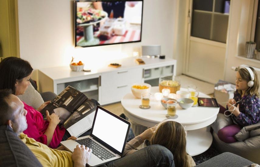 Enfatiza el estudio en el creciente enfoque en la diversificación, en particular en la conectividad: se espera que los servicios de banda ancha fijos y móviles crezcan en importancia en el futuro a medida que los proveedores sigan estrategias de agrupamiento para ofrecer un mejor valor y mejorar la adhesión del cliente.