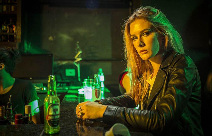 """En la """"Rua Augusta"""" una atractiva stripper (Fiorella Mattheis), es víctima de un violento asalto que la sumerge en una pesadilla que solo ella puede detener."""
