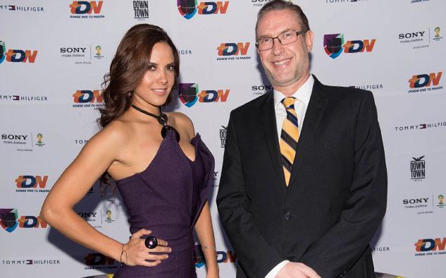 Karen Manzano, comentarista de TDN, y Francisco Javier González, vicepresidente de Contenidos de TDN.