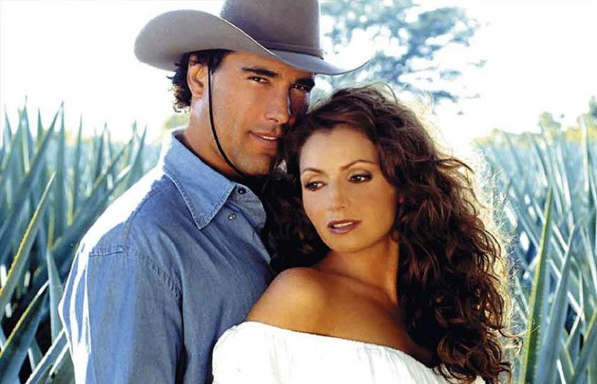 Angélica Rivera y Eduardo Yañez protagonizan la historia, en el marco de la industria del tequila.
