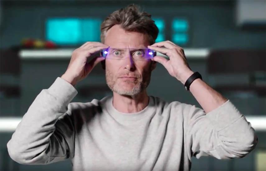 En Wake up 2, verán a un Adam totalmente cambiado. Su inocencia y curiosidad, su visión y pureza, han ayudado a que se convierta en el nuevo director de innovación de un titán tecnológico ficticio.