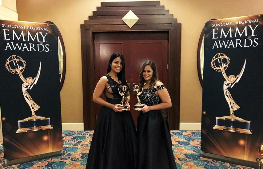 """El premio por """"Corbertura en equipo"""" fue otorgado a Haimie Carrión, directora de Información, y Jomary Morales, productora, por su programa especial sobre las elecciones generales """"Decisión 2016""""."""