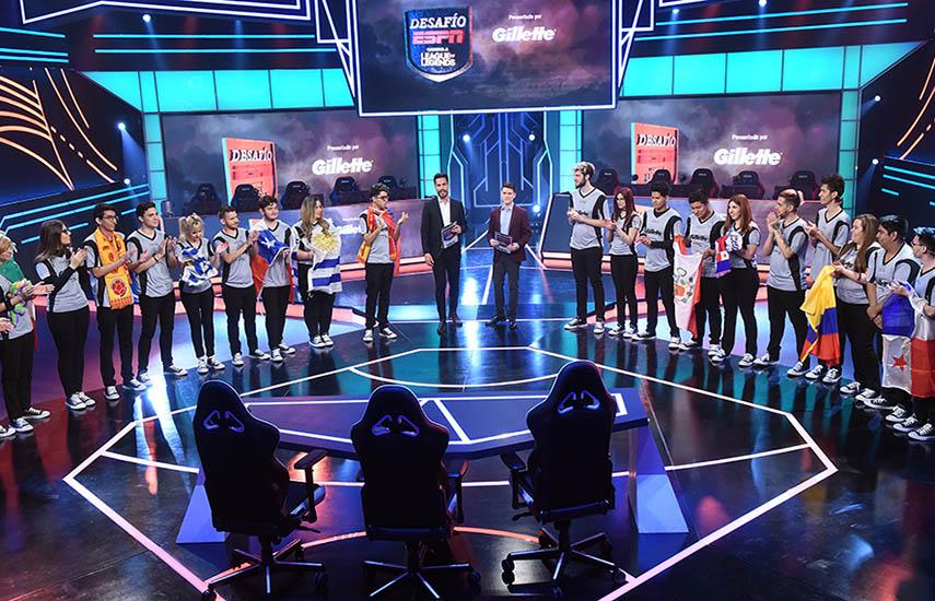 La Gran Gala del 27. Durante doce viernes por la noche se emitirán por las señales latinoamericanas de ESPN las galas de eliminación del reality.
