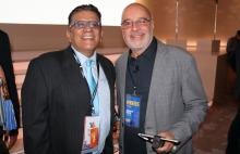 Marcos Pereira de The Daily y Richard Izarra de Produ.